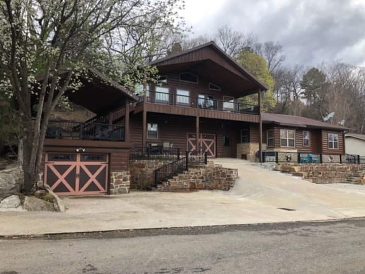Britton Home/Paradise Hill Tenkiller w/Boat Slip