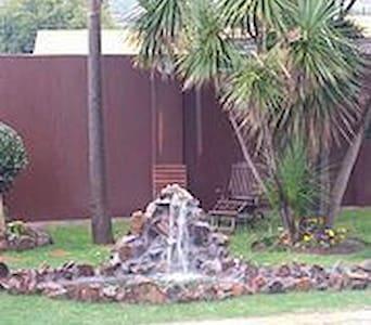 Kwa Mkhabele Lodge - Johannesburg South