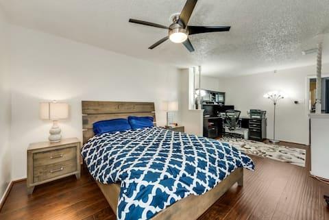 Private room in quiet neighborhood - Blue room