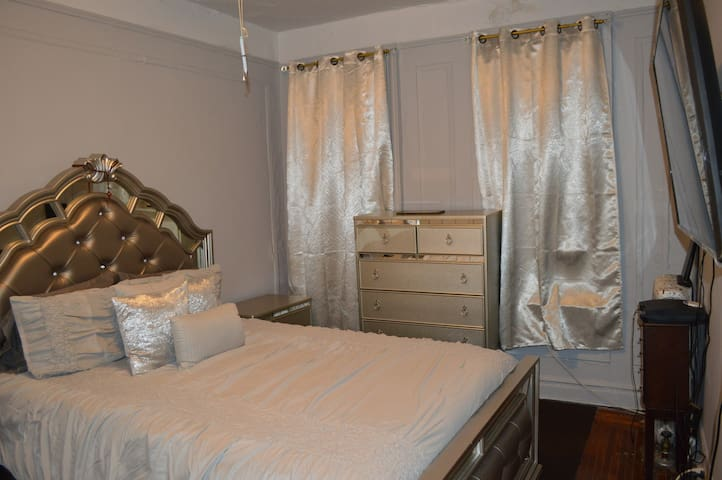 Spacious 1 bedroom apartment in uptown new york