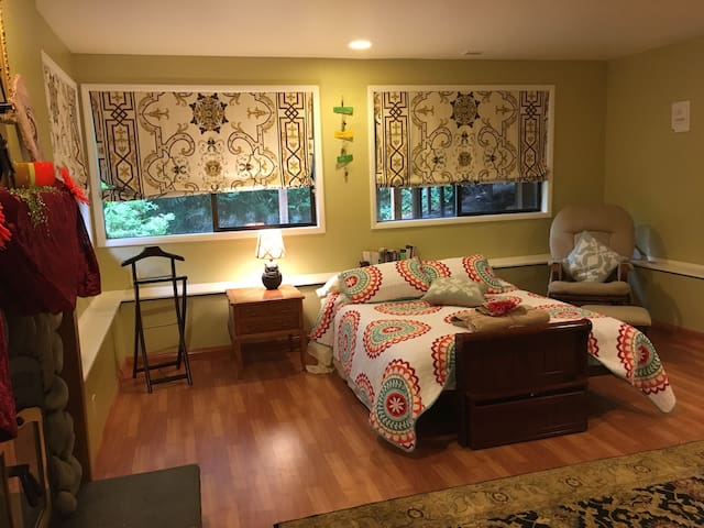 Garden Studio in Downtown Bellevue - Bellevue - Appartement