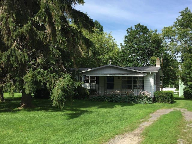 Quaint Cottage Near Oak Orchard River - Rhetts
