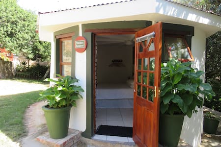 Wiltshire Rondavel - Port Alfred - Bungalo