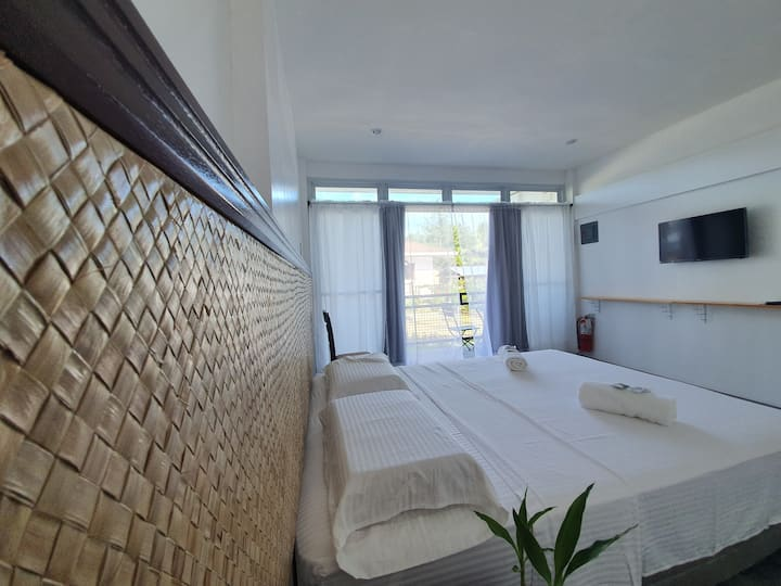 The Flying Pen Suites Kelso Room: Free Breakfast