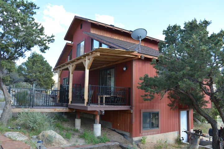Canyon Wren Cottage, a true Couples' Retreat