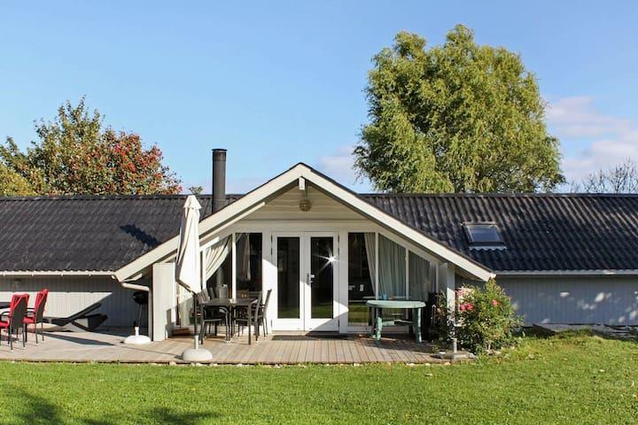 Schönes Ferienhaus in Sydals mit Sauna
