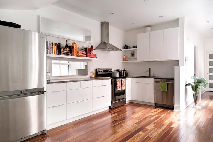 Stylish Apartment in Excellent Location