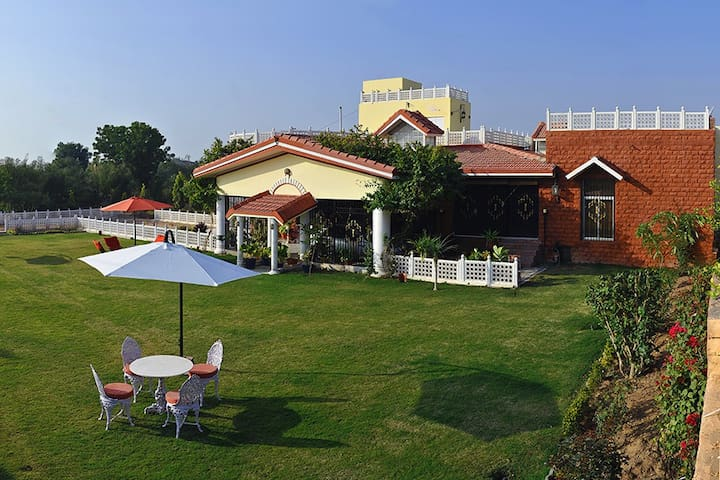 Colonels 5BHKVilla with lawn+Mountain view@Jodhpur