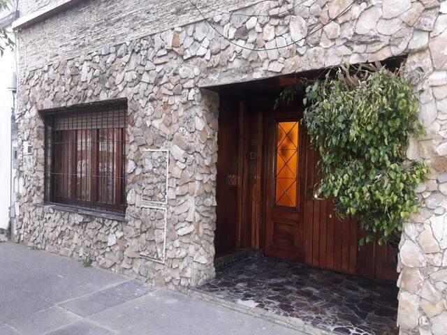 Casa amplia en Villa del Parque
