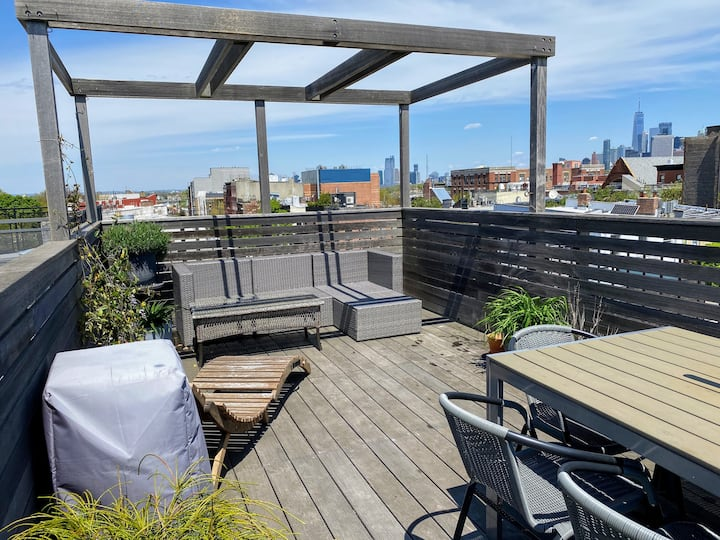 Dreamy 2br Red Hook Escape w/ Roof Deck and a View