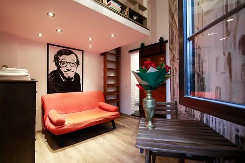 """The """"Woody Allen"""" Studio near Victoriei Square"""
