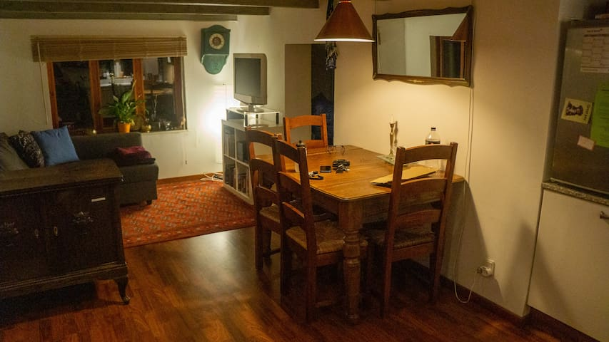 Guesthouse with own kitchen and bathroom