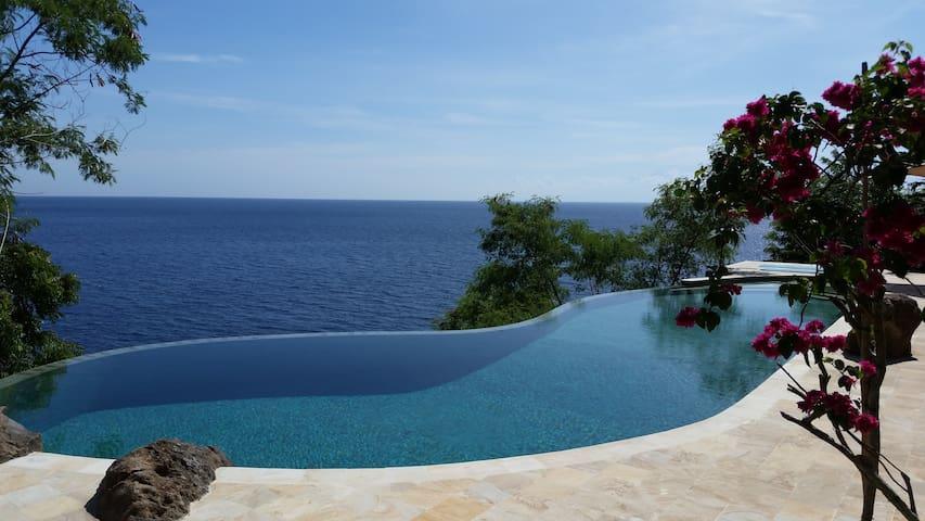 Private Paradise: Villa with big Pool&Ocean-access - Bali - Vila