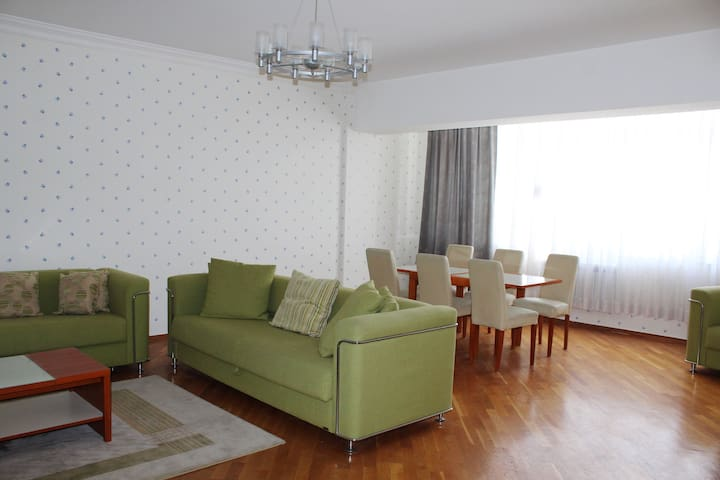 Fully furnished 4 room apartment with top view - Baku