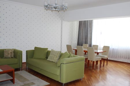 Fully furnished 4 room apartment with top view - Baku - Apartment