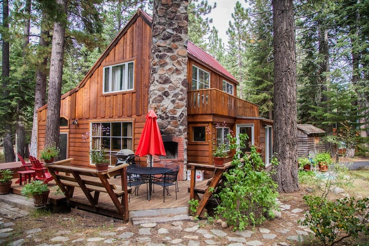 Honeymoon Cottage, Tahoe City, West Shore, Hot Tub, Dog Friendly