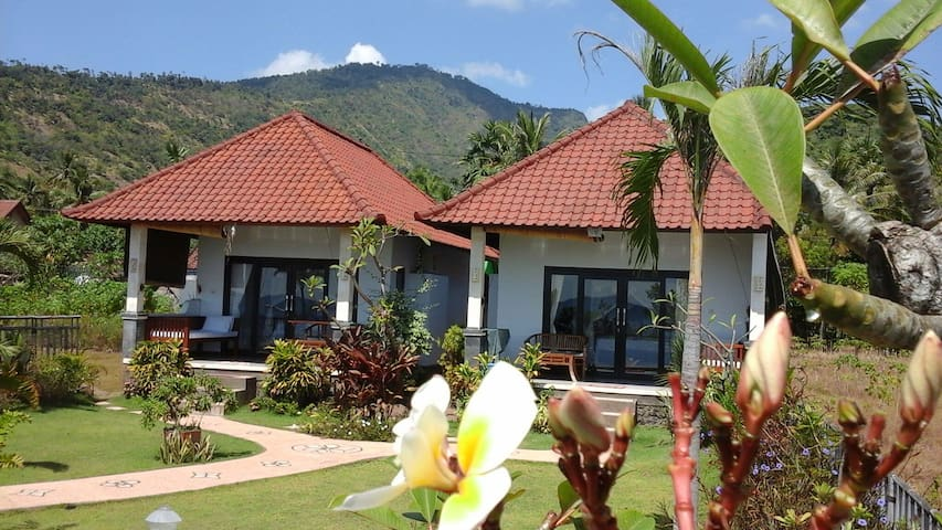 Amed Beachfront travellers paradise - karangasem - Casa