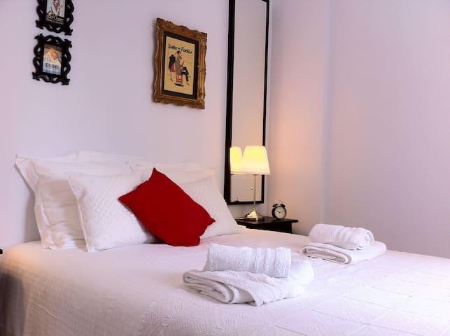 "Typical flat in Vila Maria ""Through a fado tune"" - Lissabon - Appartement"