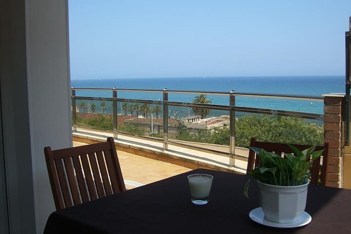 Habitaciones en ático frente al mar