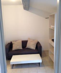 Appartement meublé indépendant T2 - Le Pradet