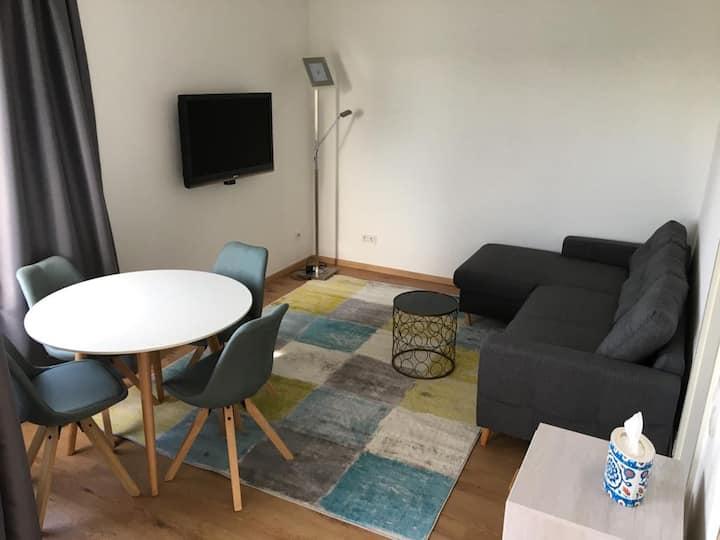 Medienhafen Modern  Furnished Apartment