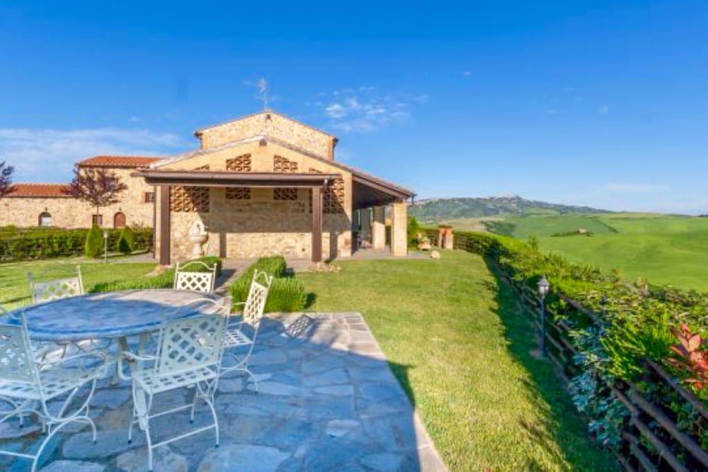 Casa di volpino apartments for rent in volterra tuscany for Casa volterra