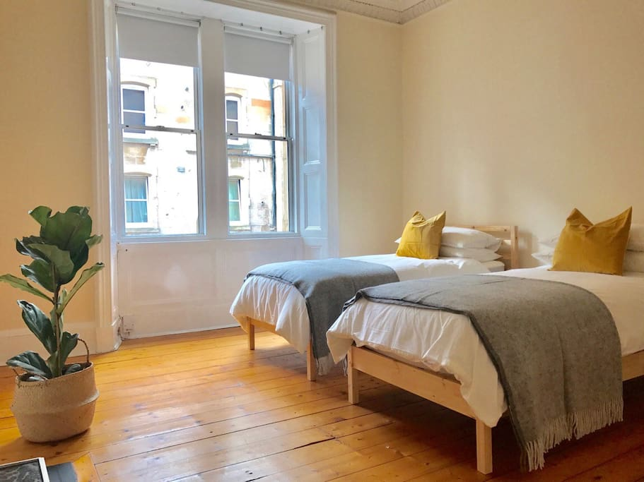 Our sunny flat is perfect for your Edinburgh stay, whether your visit is for work or pleasure.