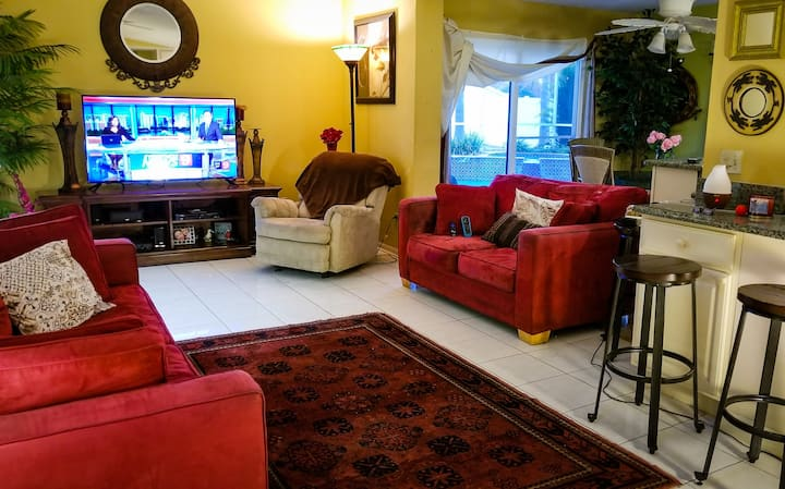 Quiet S.W. Orlando Pool Home (Bed) for 1 /2 Guests