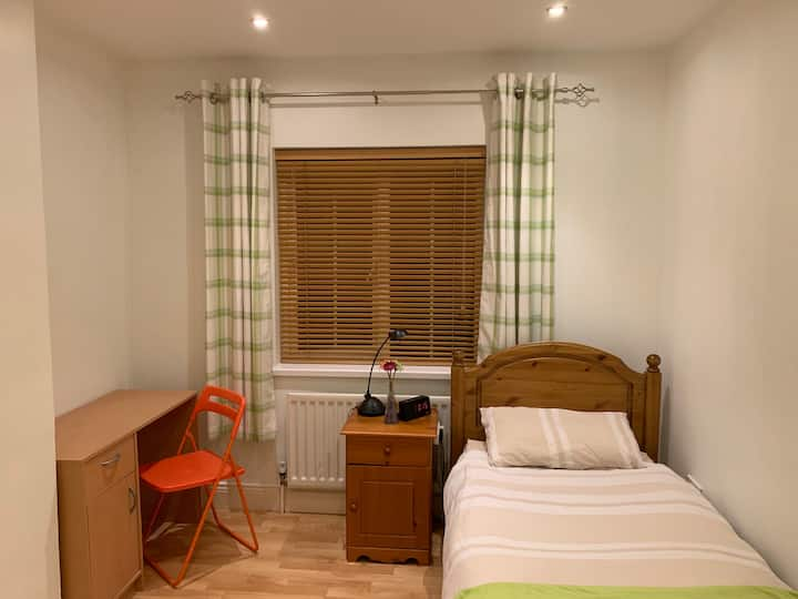 Apple3-PrivateRoom-UCC-Apple-CityCentre-Hollyhill
