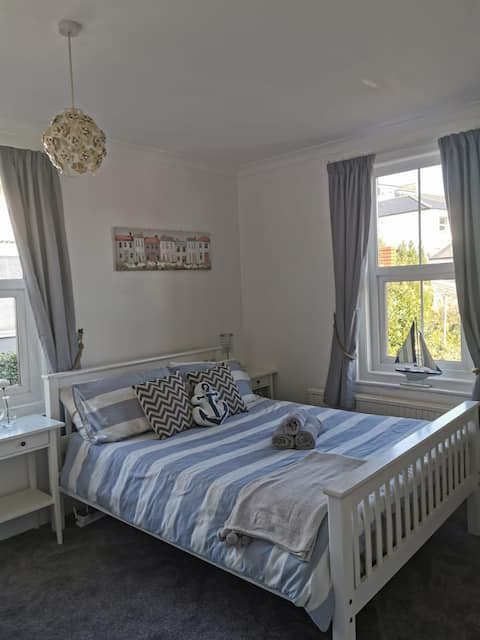 Ensuite double room very close to town and sea.