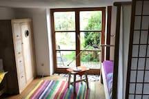 Zimmer in Häuschen mit Garten
