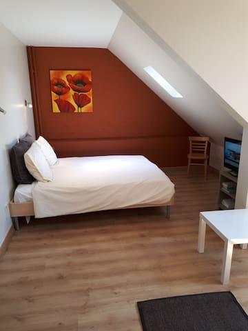 Knappe studio centrum Hasselt met eigen badkamer