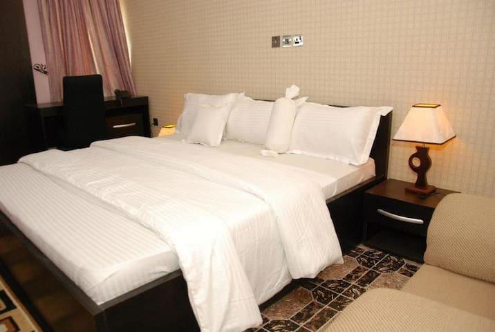 Amso International Hotels-Executive Royal