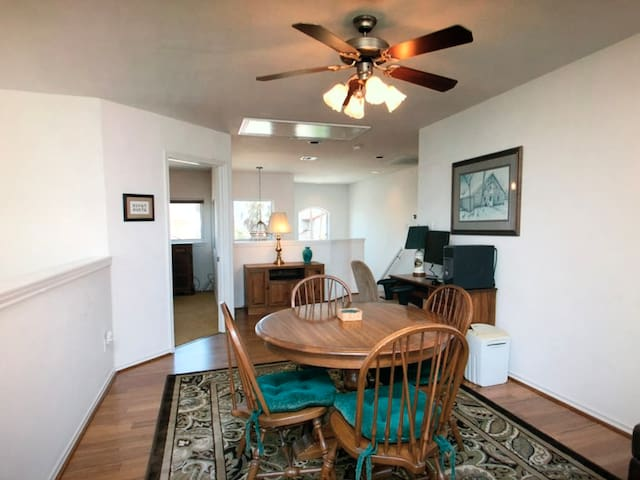 Relax in a holiday home in Cedar Rapids