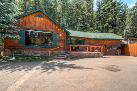 Colorado Bear Creek Mountain Home - Evergreen