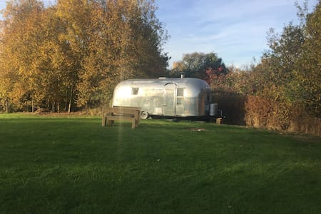 Airstream Ana - Whichford - Outro