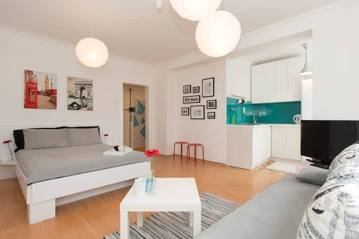 Your sunny stay in central Sarajevo