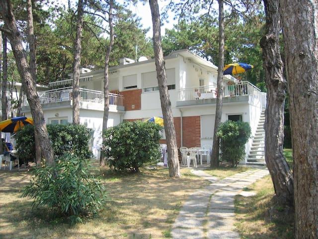 Villa  Costanza appartamento con balcone