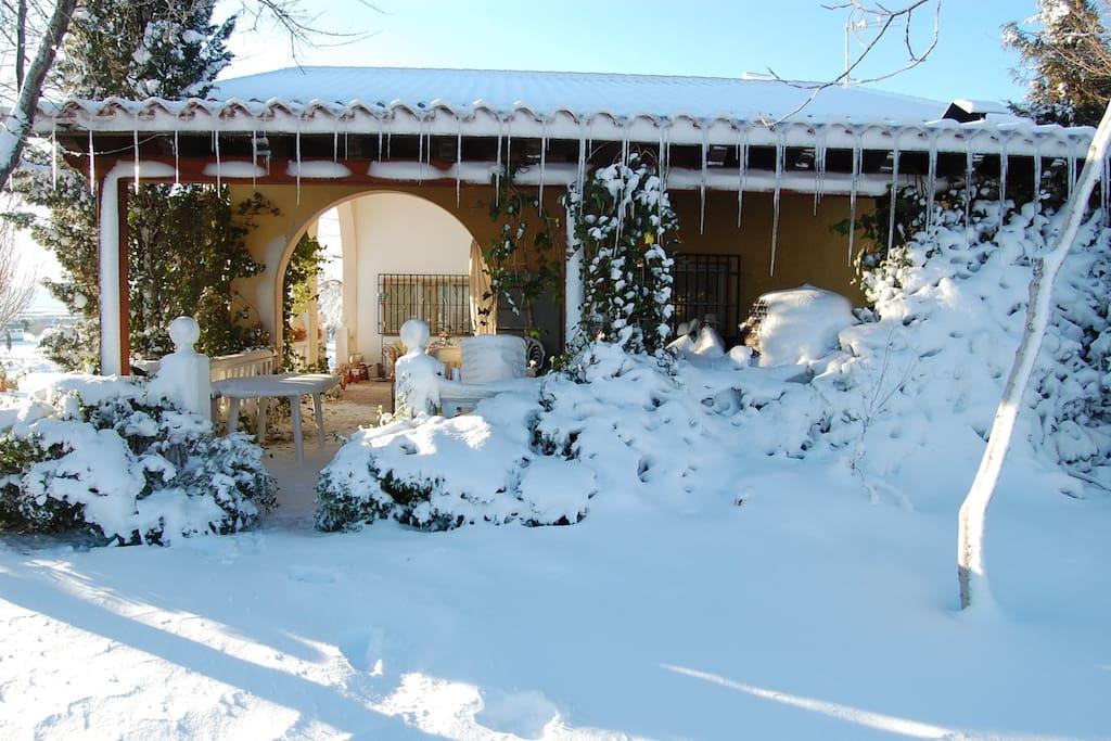 gran nevada de 2014 vista desde piscina, desde el norte