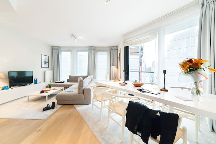 Outstanding 2 BDR apartment near Palais Royal - Saint-Josse-ten-Noode - Huoneisto
