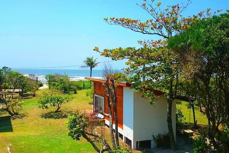Beachfront Bungalows - Ilha do Mel - Bungalou