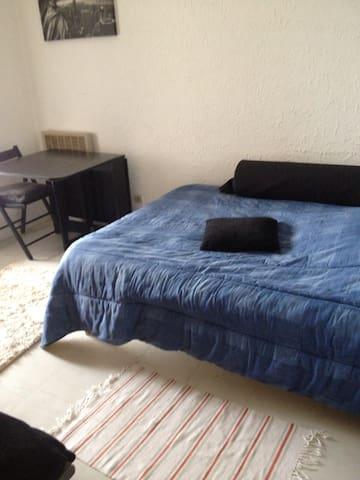 Chambre et terrasse privative - Furiani - Apartemen