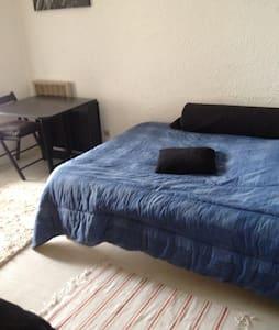 Chambre et terrasse privative - Furiani - Apartmen