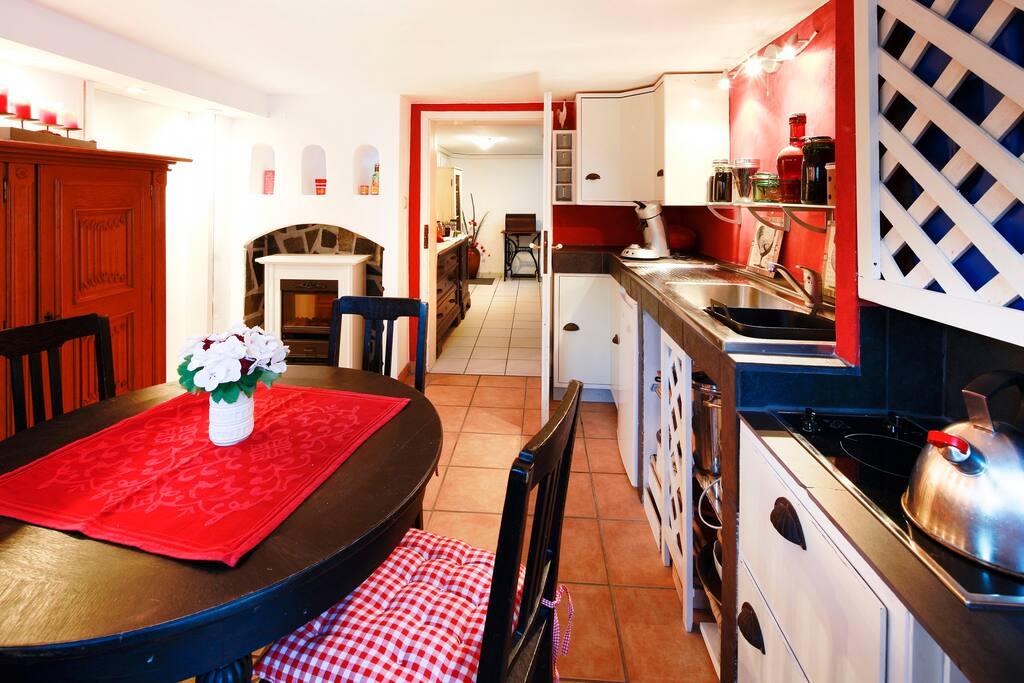 Küchenzeile Neuss ~ souterrainwohnung mit garten häuser zur miete in neuss, nordrhein westfalen, deutschland