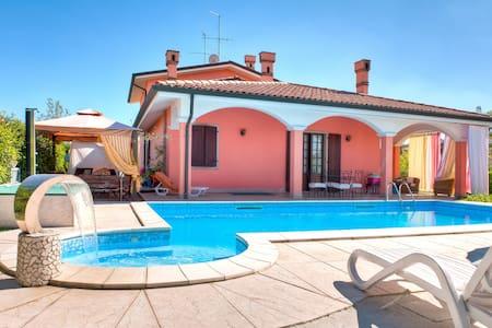 B&B Villa Gloriana Appartamento - San Giorgio In Salici - Bed & Breakfast