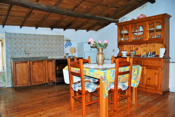 Casa tradizionale in borgo medieval - Bonarcado - Apartment