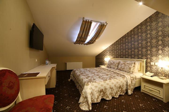 Mansard double room on 4th floor