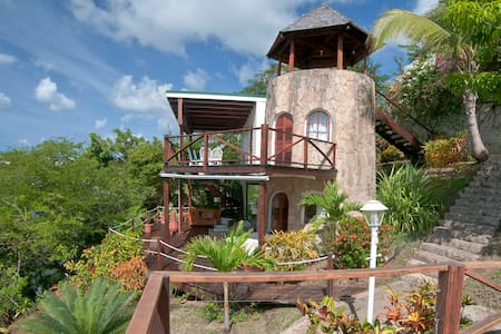 Sugar Mill Tower - 1 BR Romantic Waterfront Haven - L'Anse aux Epines - Nyaraló