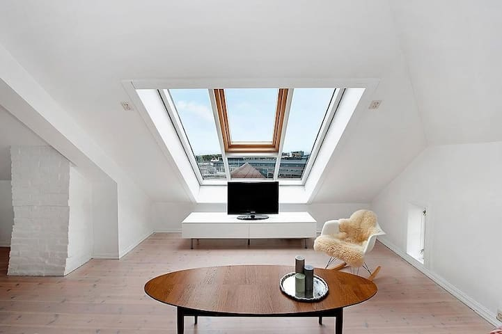 Bright and central apartment