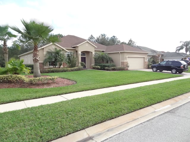 Upscale Daytona Golf Community 3 - Daytona Beach - House